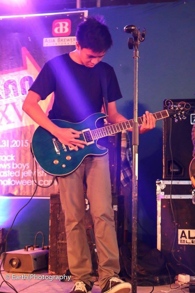 Kent on Guitars