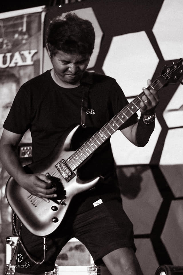 Rai on Guitars