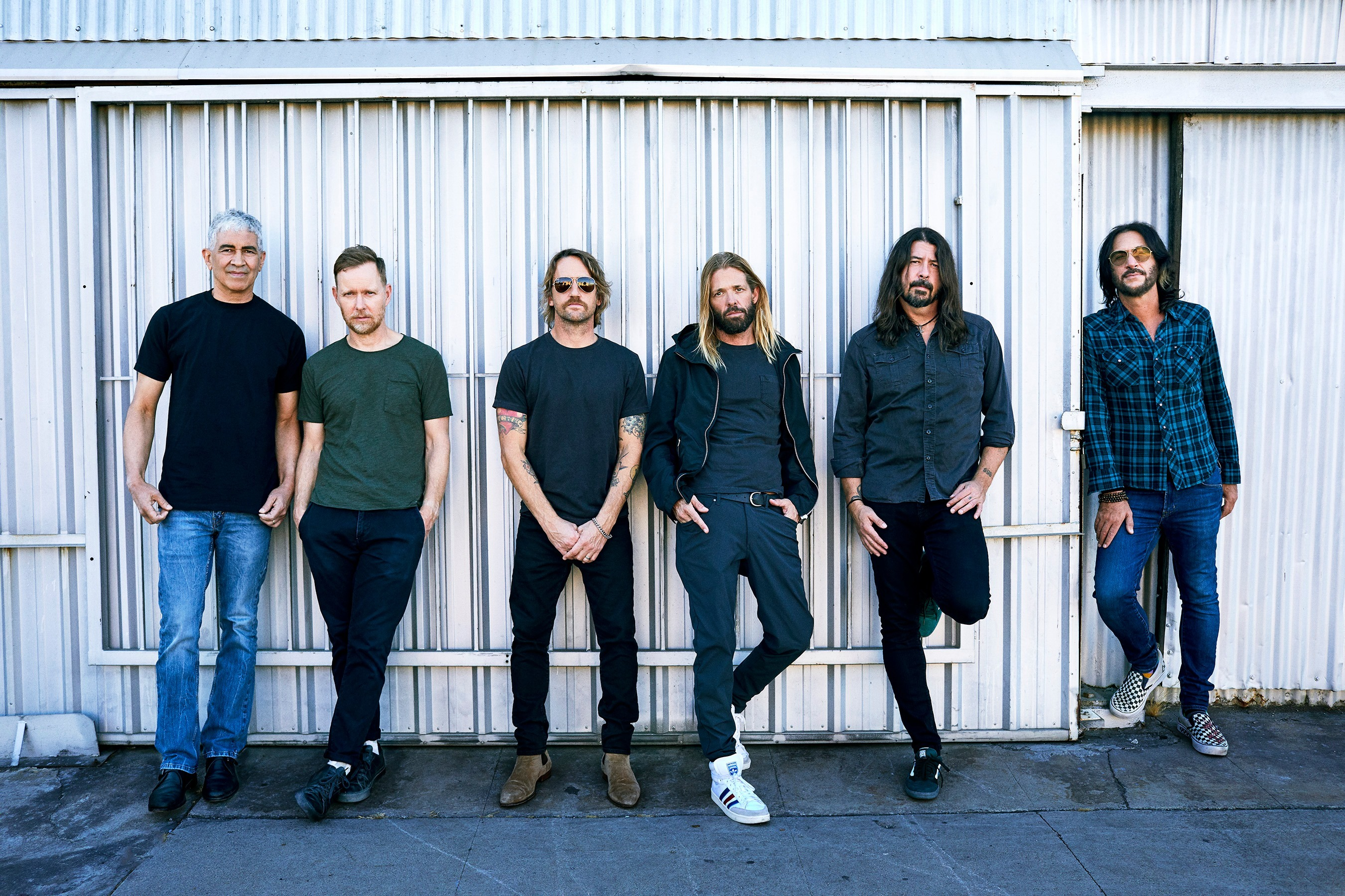 """""""Medicine At Midnight"""" Proves That Foo Fighters Are One Of Rock Music's Living Legacies"""