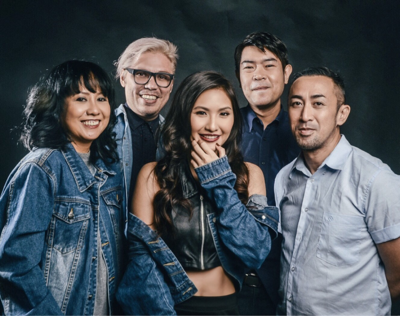 "Imago With Their New Music Video ""Alam Na"""